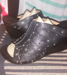 Gixus odlicne italijanske  kozne papuce