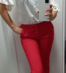 Pantalone crvene 38