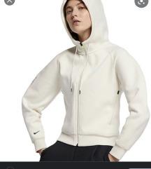 Nike dukserica,Novoo!!!Ne razmenjujem