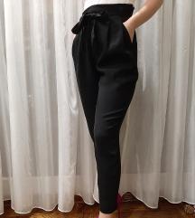 H&M elegantne pantalone NOVO