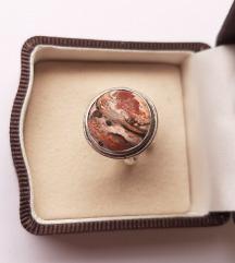 Srebrni prsten sa jaspisom