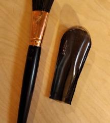 Nova Avon četkica za nanošenje šminke