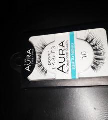 Aura power lashes 10
