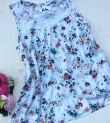 Gina čipka i cvetni motivi bluza  Nova sa etiketom