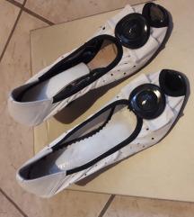 Bele kožne sandale/cipele