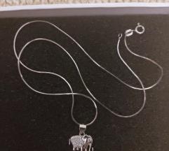 Srebrna ogrlica sa priveskom slona