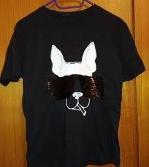 Crna majica sa kucom