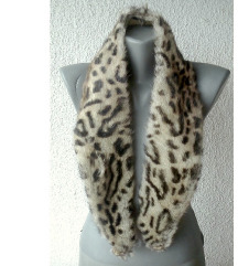 krzneni okovratnik leopard