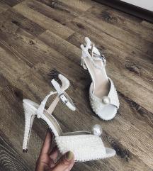 Sandalice nove 35