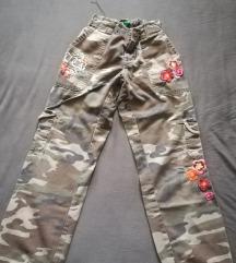 Benetton cargo maskirne pantalone