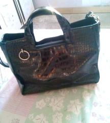 nova lakovana torba