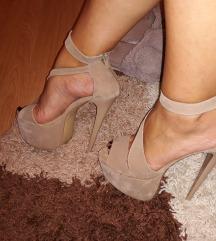 Sandale sa visokom stiklom SNIZENE NA 1500!!!