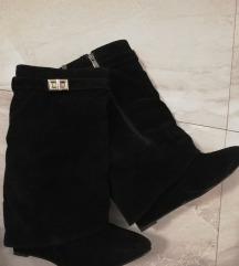 Crne cizme 39