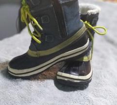 zimske cizme  vel31