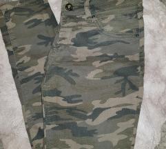 Maskirne pantalone 💣