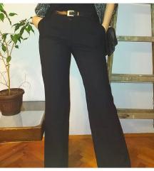 BANDOLERA crne pantalone sa prugicama