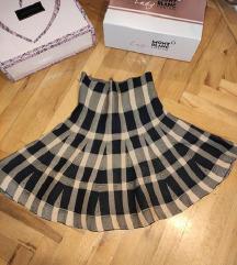 koncana suknja veoma atraktivna