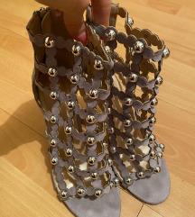 Sandale sa nitnama