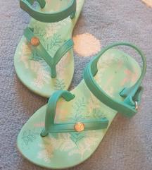 Grendha japanke/sandalice. Br. 22/23