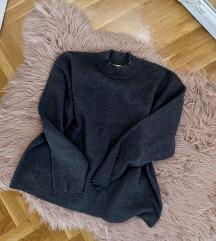 KAO NOVO H&M duks/dzemper