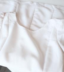 Zara bela strukirana haljina