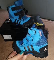 Adidas decije cizme