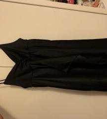 Prelepa crna haljinica