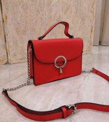 Koralno crvena torbica