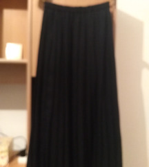 Crna plisirna suknja