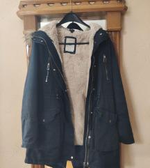 Bershka zimska jakna, L