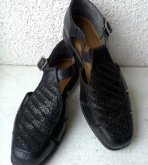 crne sandale cipele br 39,5 ili 40 NATURALIZER