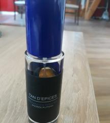 Parfem Tan d epices % parfem