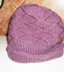 Nova štrikana kapa, postavljena duplo