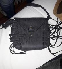 Mala torbica sa resama crna