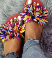 Ženske moderne papuce