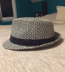 Zenski šešir, NOV