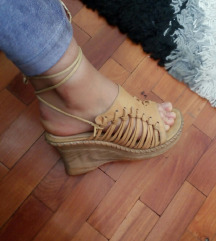 RASPRODAJA! Kozne krem sandale