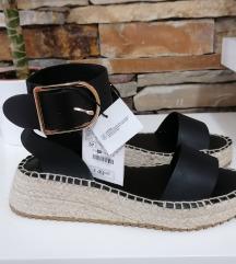 Rezzz ZARA crne kožne sandale