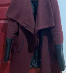 Bershka bordo kaput