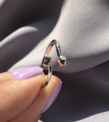 Podesivi prsten sa srcima