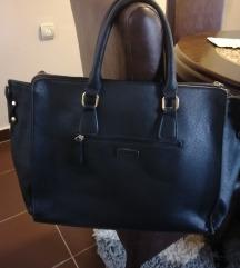 Crna prakticna torba