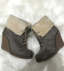 Cipele cizme 37
