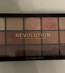 REVOLUTION MAKEUP Reloaded Iconic 3.0  paleta