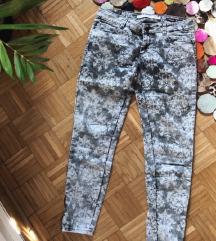 Sive Pantalone sa Printom