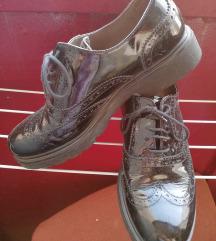 Kožne lakovane cipele br. 36