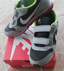 Nike original patike za decaka br35