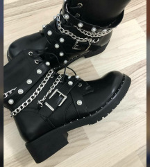 Nove snizene cizme