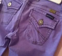Pantalone nove skinny W 27/ FINALNO SNIZENJE