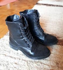 Crne cipele sa cirkonima