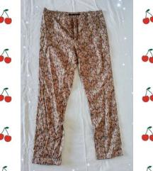 Zara pantalone veličina 40sarene